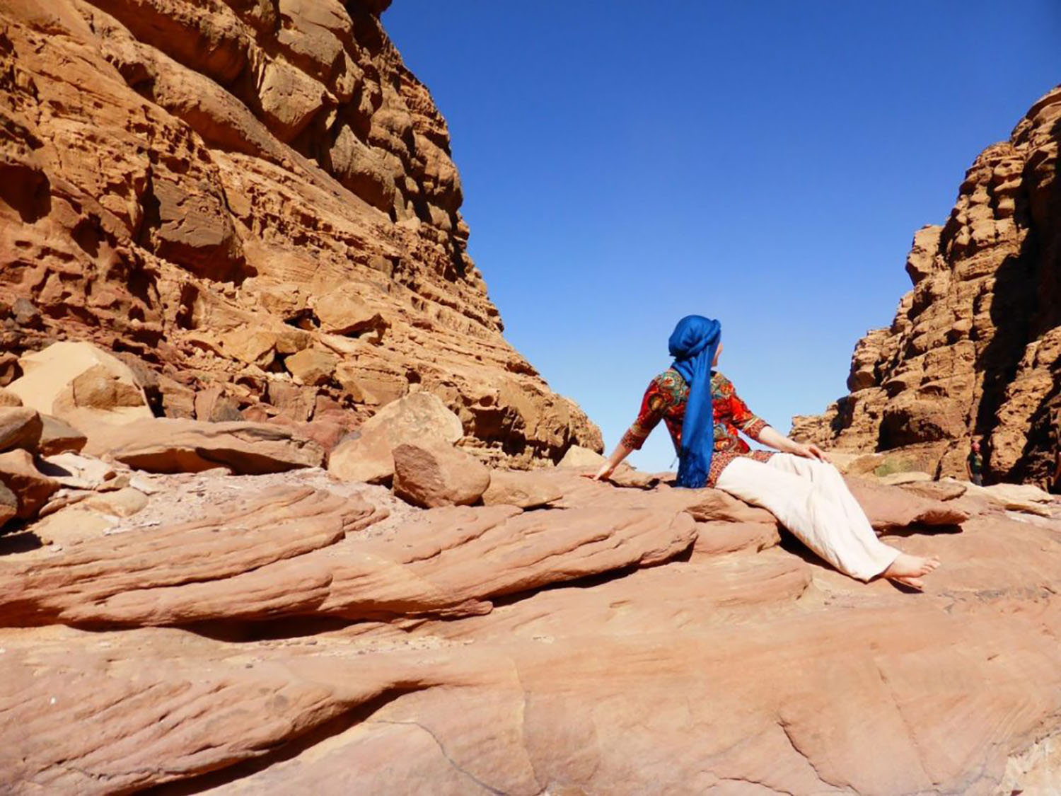 Is it safe for a woman to travel solo in Iran?